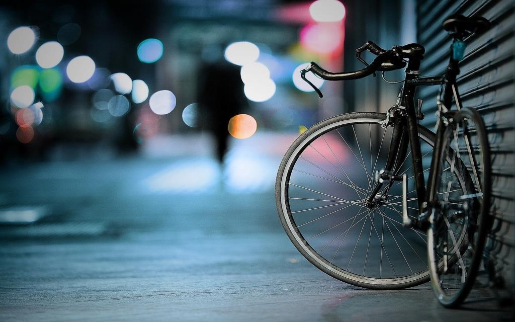 abandoned bike in city street